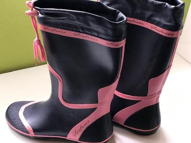 Ženski škornji za jadranje št. 40, 15€