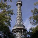 Rozhledna - mini Eiffel v Pragi s 299 stopnicami...se splača - razgled fantastičen!!!