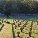Avstroogrsko pokopališče v proseku