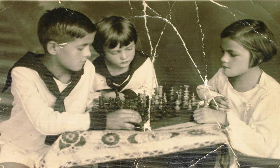 Janet,Bronka,Andrej Grampovčan, manjka Marjan