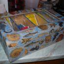 škatla okrašena s servietno tehniko