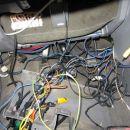 inštalacija pod volanom- dalinjski vžig,razdelilec plusov,razsmernik,slika-zvok, 220V, sti