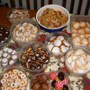 pariške rožice,marmeladne tortice,orehovi rogljički,švedski piškoti,gobice, medenjaki,cime