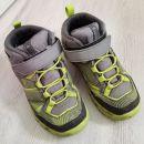 pohodni čevlji, nepremočljivi, št. 29 (manjše št.) cena 10€ +ptt