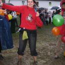 Skakanje v blatuuu! Jupii! Ko da smo 16 stari :)