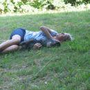 Na travi je posebej lepo počivati.