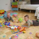 jaz in Lan med igračami