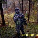 J.S.Archer na zvezi z pripadniki Paravojaških skupin.