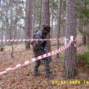 Poveljnik sil Mikk-i je po pretečenem času 5.minut koliko so se razbitine letal preiskoval