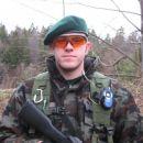 Izzy podpoveljnik 4.voda in prvi, ki je nabavil uradno pokrivalo članov 4.voda.