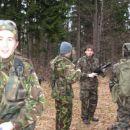 V ospredju: Breci pripadnik 1.voda v izbrani uniformi 1.voda...