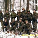 Pripadniki Tigrov skupinska pred odhodom v boj.
