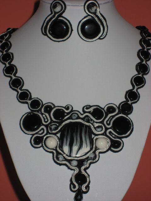 Uhani: 5,00€,   ogrlica: 25€